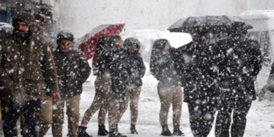 Meteoroloji'den birçok ile sağanak ve kar uyarısı