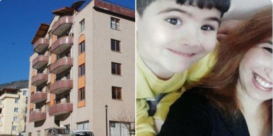 Tokat'ta çocuğunu öldürüp intihar eden müdür yardımcısının komşuları binayı boşalttı!