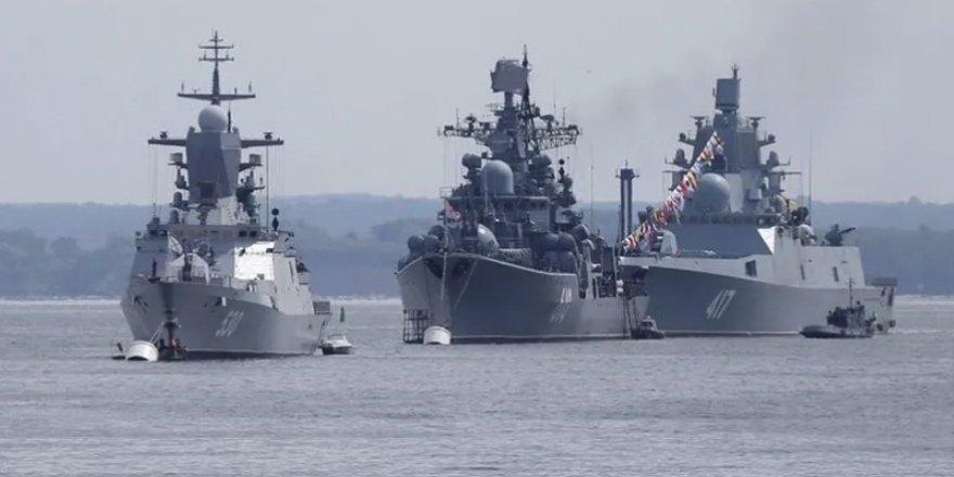 Rusya Akdeniz'e iki savaş gemisi gönderiyor