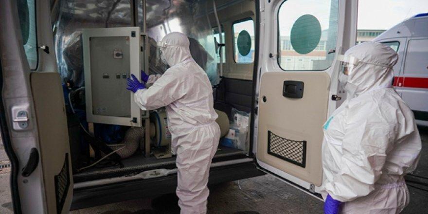 ABD'li doktor: Ülkede koronavirüsten ölümler 100 ila 200 bin arasında olabilir