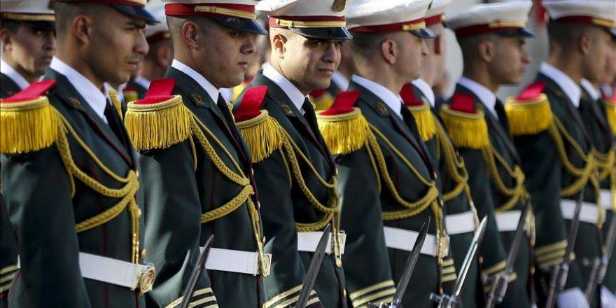 Cezayir Ordusu'na ülke dışında operasyon yetkisi
