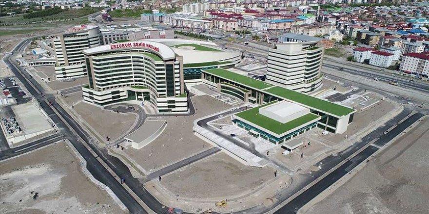 Erzurum dev sağlık tesisinde çevre düzenlemeleri sürüyor