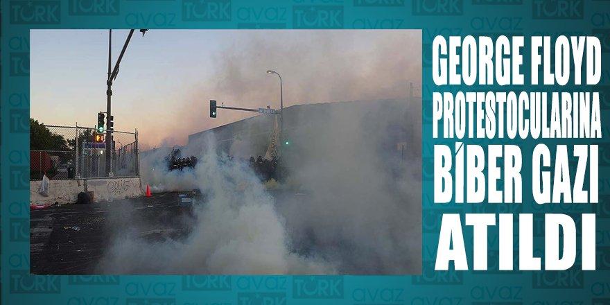 Floyd protestolarında göstericilere biber gazı