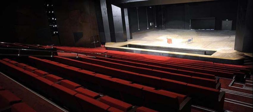 'Ay Işığında Şamata' 20 Nisan'da sahnelenecek