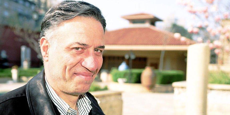 Usta oyuncu Kemal Sunal vefatının 20. yılında kabri başında anıldı