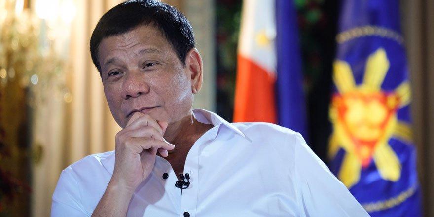 Filipinler Devlet Başkanı Duterte terörizmle mücadele tasarısını onayladı