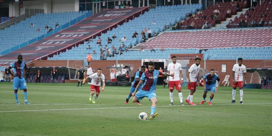 Trabzonspor şampiyonluk yolunda Antalya'dan yara aldı: 2-2