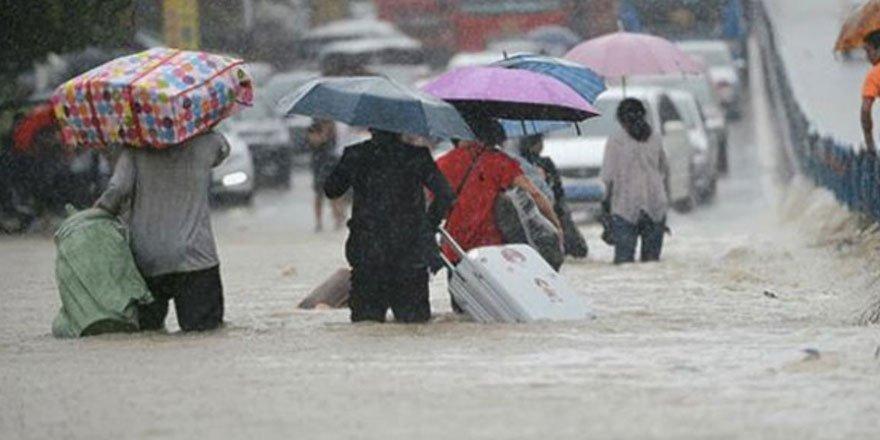 Çin'de şiddetli yağışlar can aldı! 14 kişi hayatını kaybetti