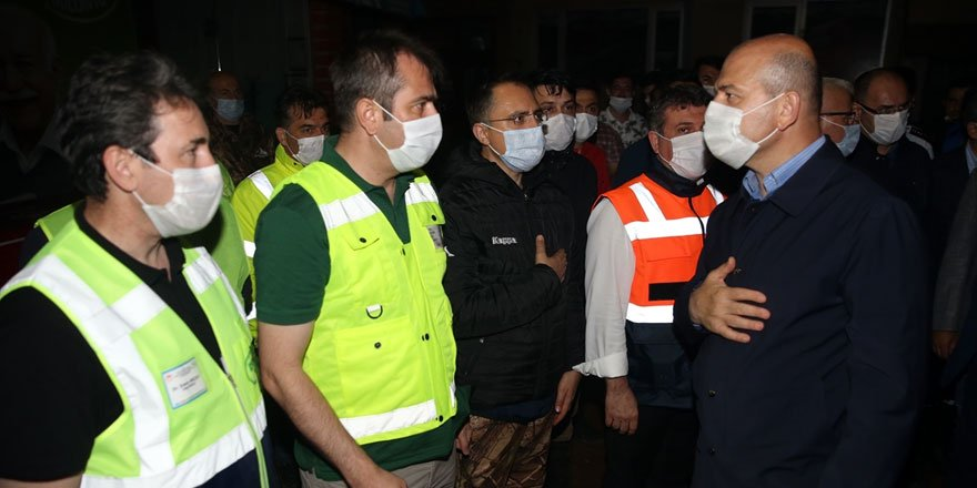 İçişleri Bakanı Soylu Rize'de sel bölgesinde incelemelerde bulundu