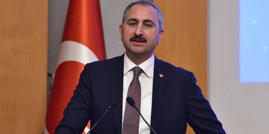 Adalet Bakanı Abdülhamit Gül 1200 hakim savcının alınacağını duyurdu!