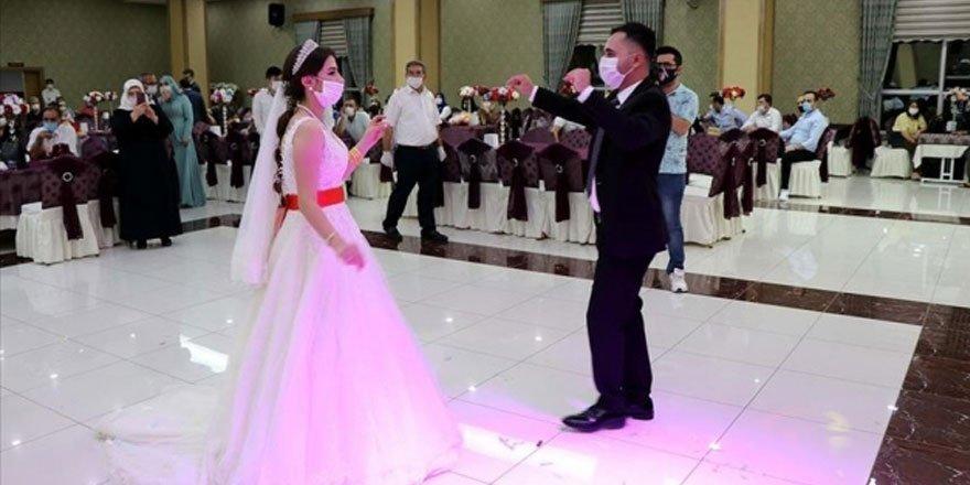 Düğünden sonra rahatsızlanan gelinde koronavirüs çıktı