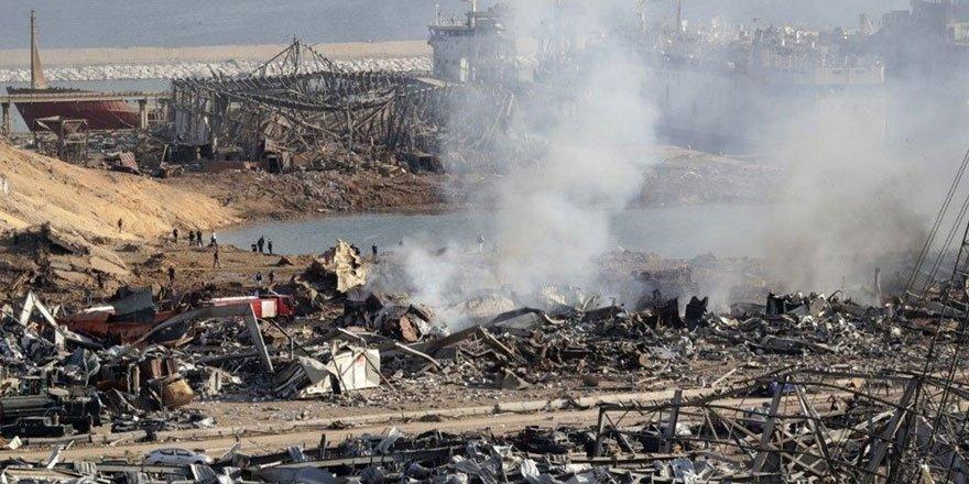 Lübnan Elektrik Kurumu Merkez Binası yıkıldı! Limandaki yolcu gemisi battı