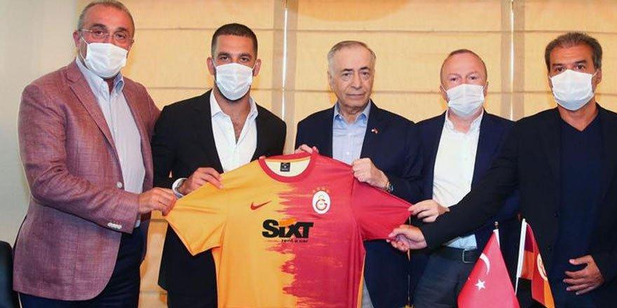 Milli yıldız Arda Turan 9 yıl sonra Galatasaray'a geri döndü!