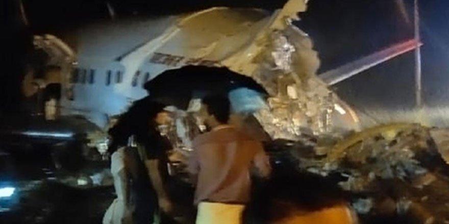 Hindistan'da iniş esnasında uçak ikiye ayrıldı! En az 2 kişi öldü, 35 yaralı