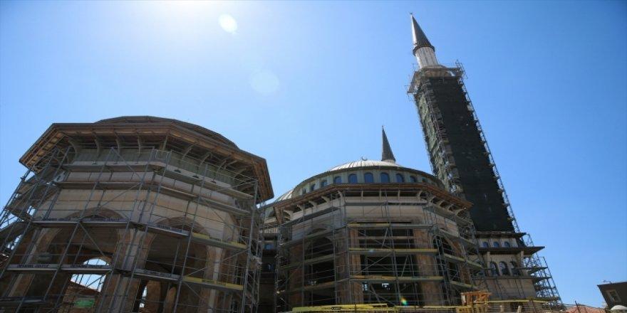 Taksim'e yapılan camide işçiliğin yüzde 65'i tamamlandı