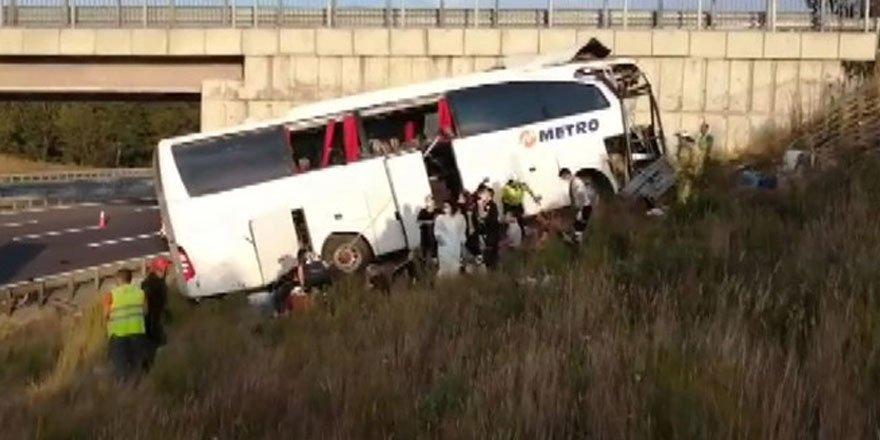 Kuzey Marmara Otoyolu'nda otobüs yoldan çıktı! Ölü ve yaralılar var