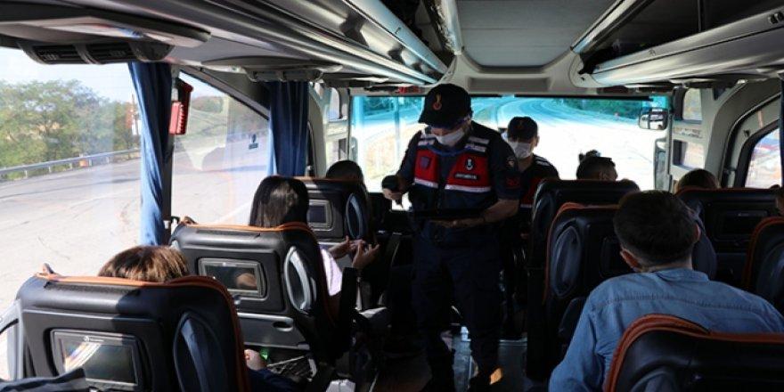 Karantinada olması gereken kişi şehirler arası otobüste yakalandı