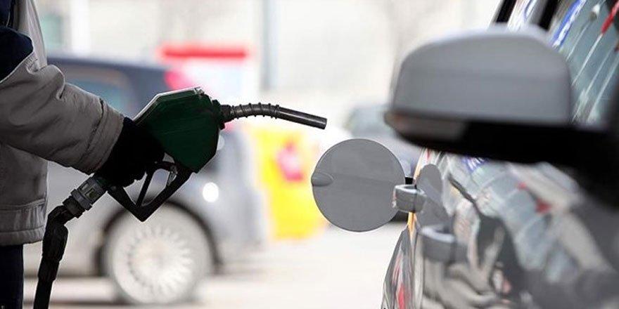 Benzine 28 kuruş, motorine 25 kuruş zam yapıldı!