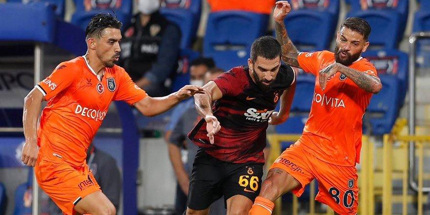Galatasaray deplasmanda son şampiyon Medipol Başakşehir'i 2-0 mağlup etti!