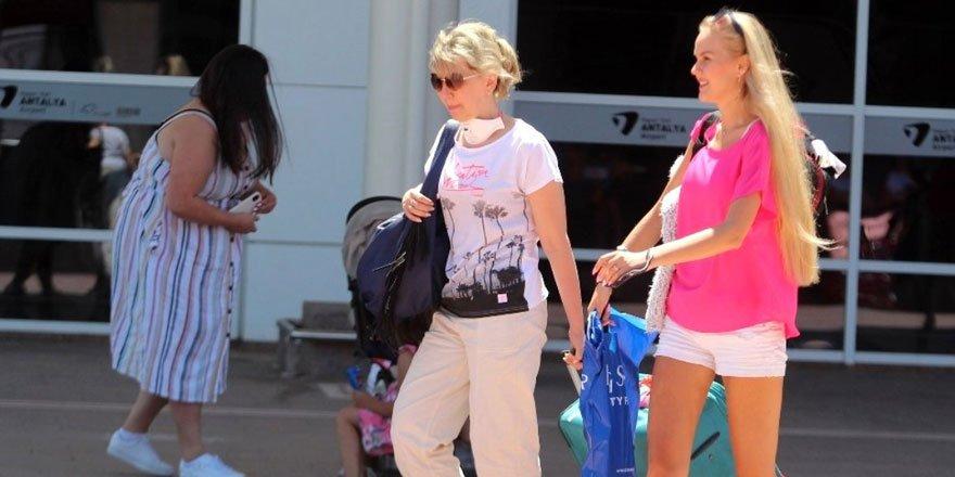 Turizmin Başkenti Antalya'ya bir ayda yarım milyondan fazla Rus turist geldi!