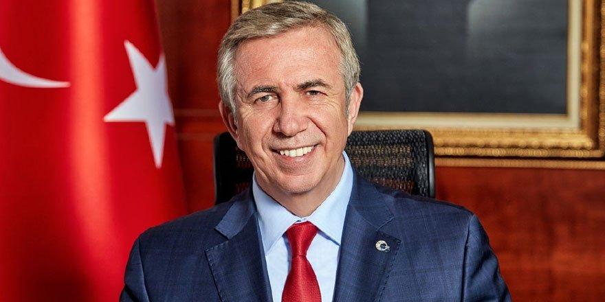 Ankara Büyükşehir Belediye Başkanı Yavaş, Köprülü kavşaklarının maliyetini pankartla duyurdu