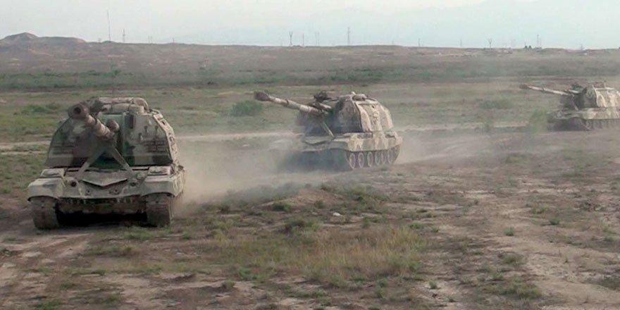 Azerbaycan ordusu ilerliyor! Ermenistan'a ait 4 tank imha edildi