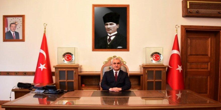 Kastamonu Valisi Çakır'ın COVID-19 testi pozitif çıktı