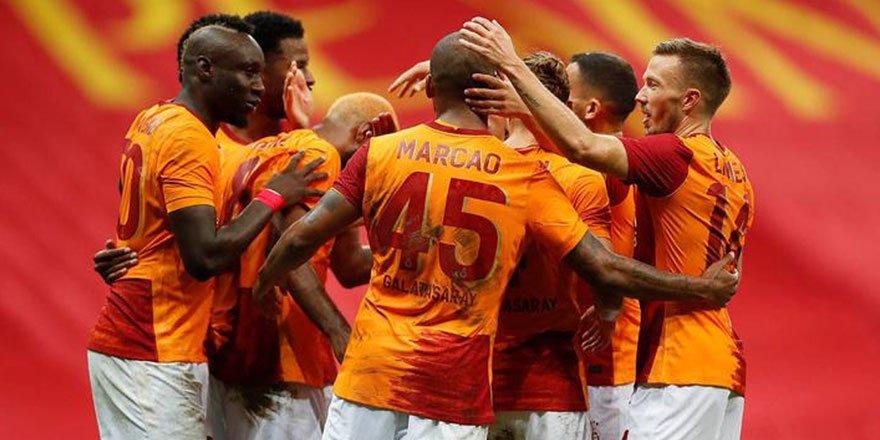 Bakan Kasapoğlu müjdeyi duyurdu! Galatasaray- Rangers maçı şifresiz yayınlanacak!