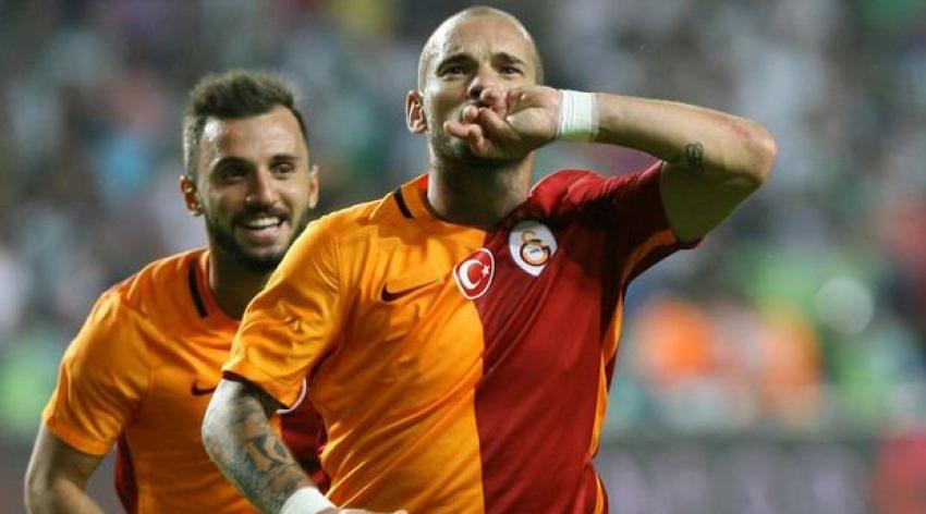 Avrupa devi Sneijder'e kancayı taktı!