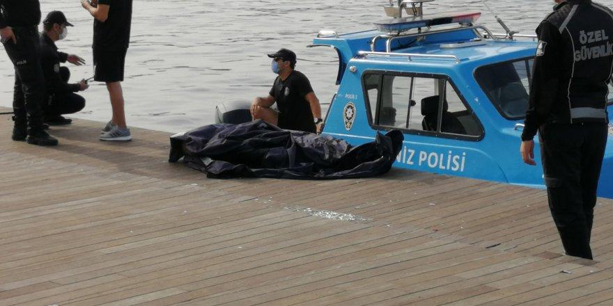 Eminönü'nde denizden ceset çıktı