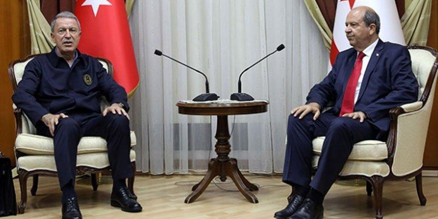 Bakan Akar'dan KKTC Cumhurbaşkanı Tatar'a tebrik mesajı