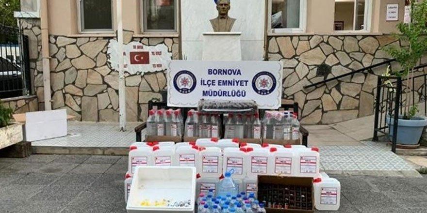 İzmir'de kokoreççiye sahte içki baskını