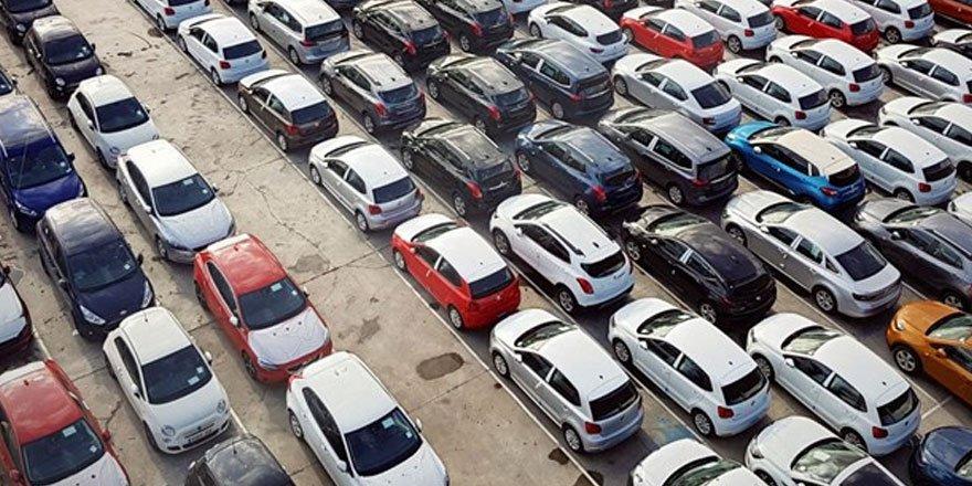 Lüks araçların dikiz aynalarını çalan 3 kişi yakalandı