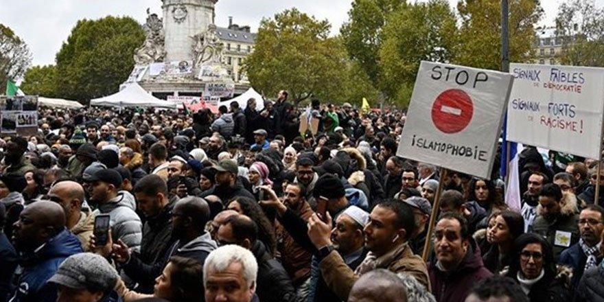 İslam dünyasında Macron'a tepkiler çığ gibi büyüyor