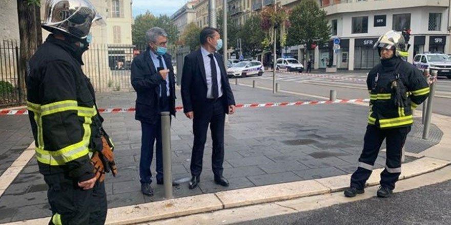 Fransa'nın Nice kentinde kilise yakınında bıçaklı saldırı: 3 ölü