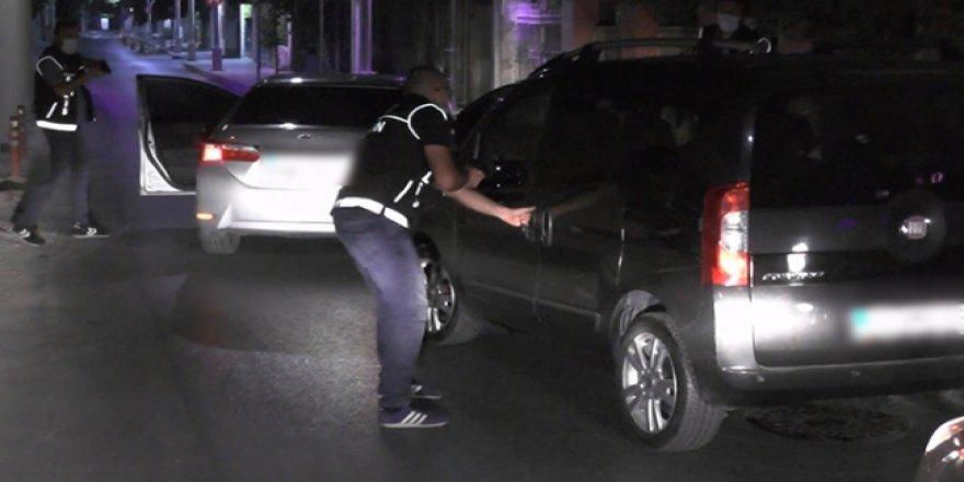 Polisin takibe aldığı araçtan 55 kilogram uyuşturucu çıktı