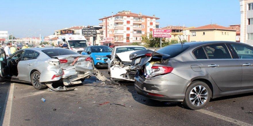 Denizli'de 98 trafik kazası oldu