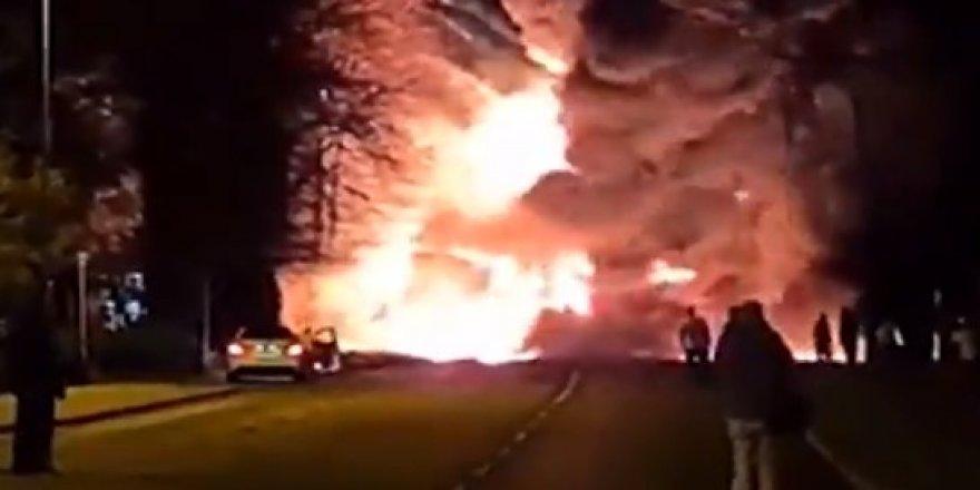 Kimyasal madde taşıyan tanker patladı