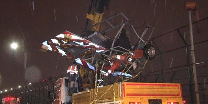 Haliç Köprüsü'nde oto çekici, yol bakım aracına çarptı: 2 ölü