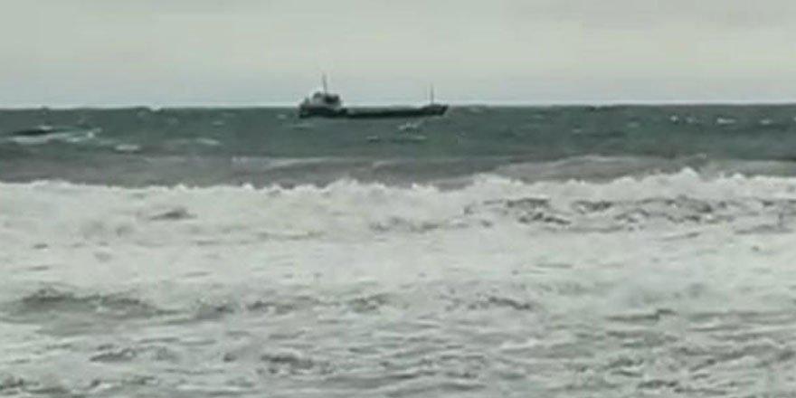 Bartın'da kuru yük gemisi battı