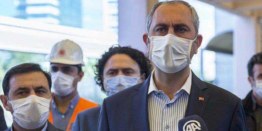 Adalet Bakanı Gül: Hakim, savcı cübbesi giymedim, giymeyeceğim