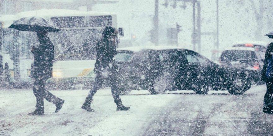 AKOM'dan İstanbul'a uyarı! Yarın bu ilçelerde kar var