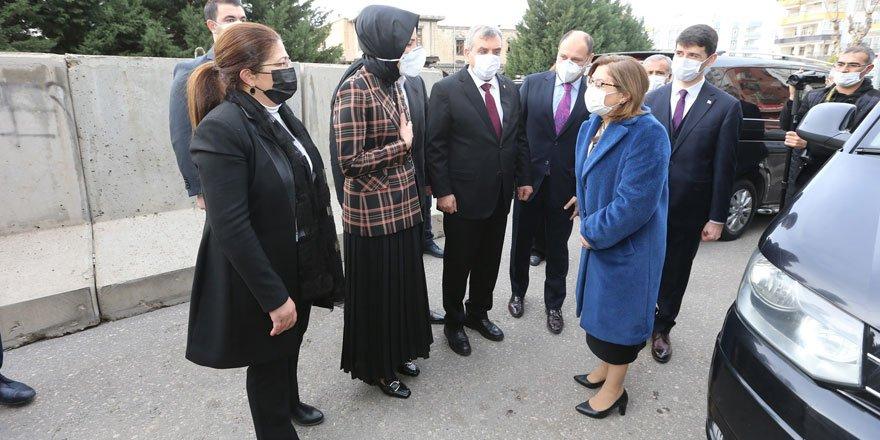 Başkan Fatma Şahin, Siverek Belediye Başkanı Ayşe Çakmak'ı ziyaret etti!