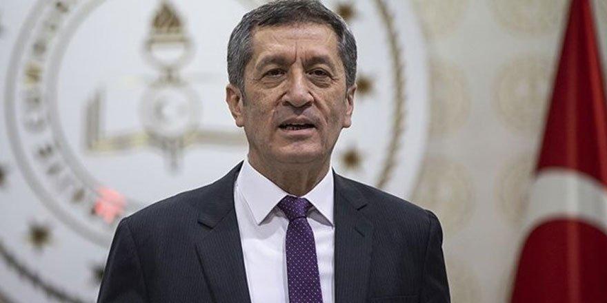 Milli Eğitim Bakanı Selçuk'tan '1 günlük erteleme' özrü