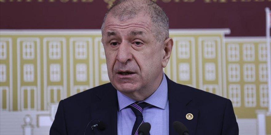 İstanbul Milletvekili Ümit Özdağ zehir zemberek suçlamalarla İYİ Parti'den istifa etti
