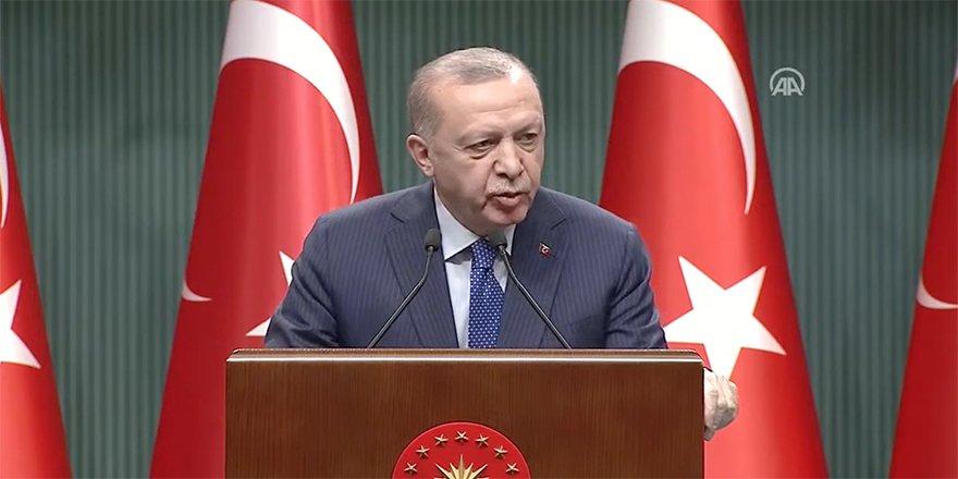 """Cumhurbaşkanı Erdoğan emekli Amirallerin muhtıra metni için """"Türk Silahlı Kuvvetleri'ne yönelik bir bühtandır"""" dedi"""