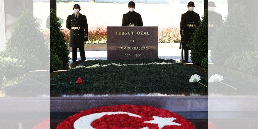 8. Cumhurbaşkanı Turgut Özal, vefatının 28. yılında kabri başında anılıyor