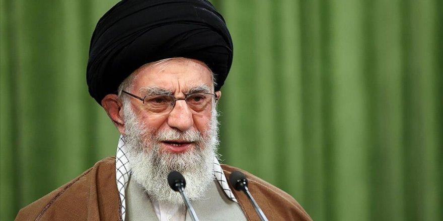 İran lideri Hamaney, Zarif'i 'ABD'nin sözlerini tekrarlamakla' suçladı
