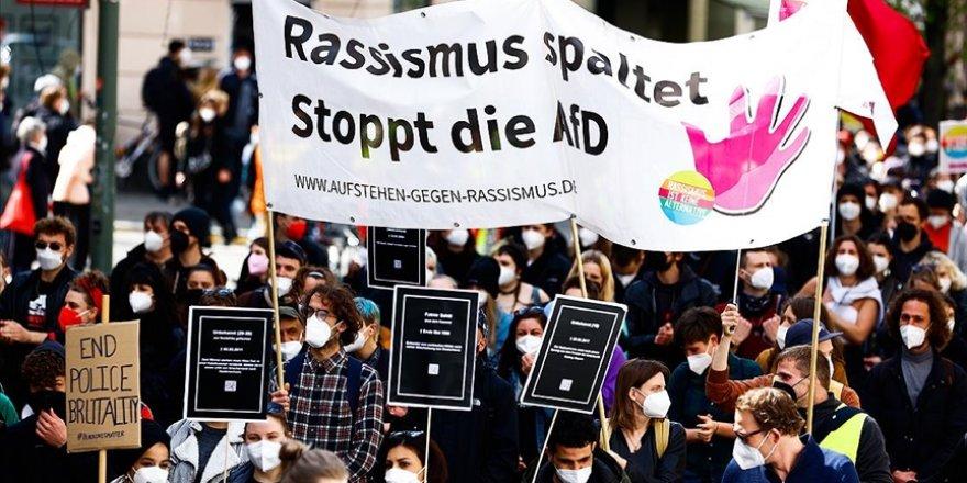 Almanya'nın başkenti Berlin'de polis şiddeti protesto edildi