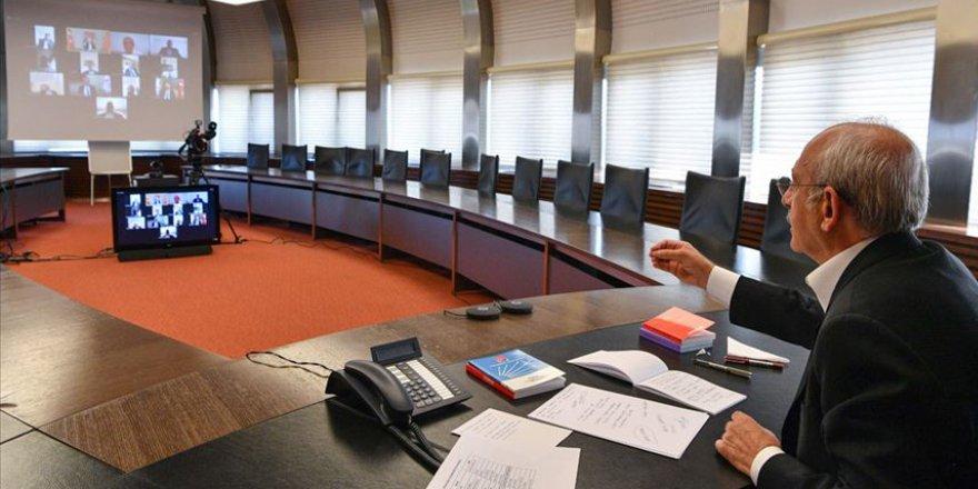 CHP Lideri Kılıçdaroğlu, Kovid-19 nedeniyle iş yerleri kapalı esnaf ile video konferans toplantısında görüştü